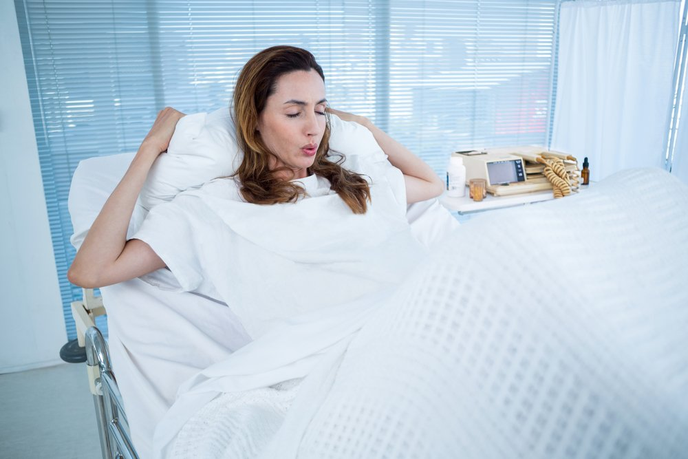 Schmerzerleichterung unter der Geburt: 10 Fakten zum Kreuzstich