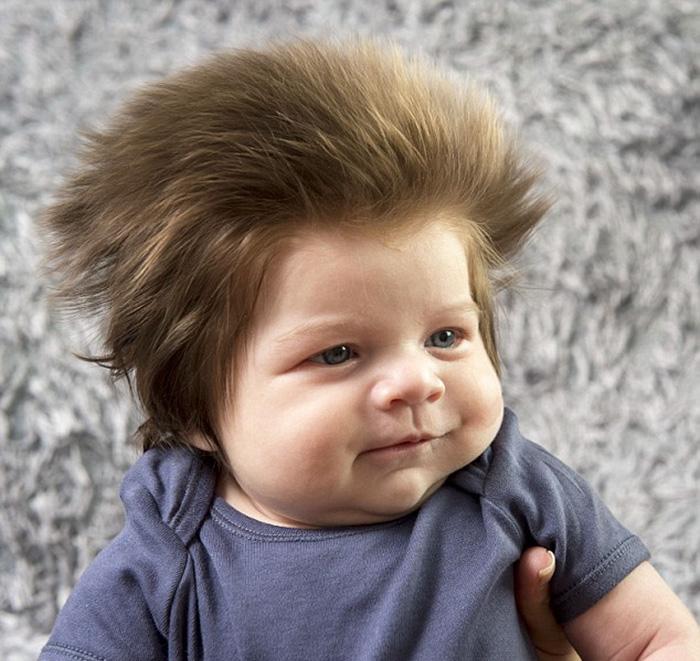Dieses Baby hat eine bessere Frisur als du