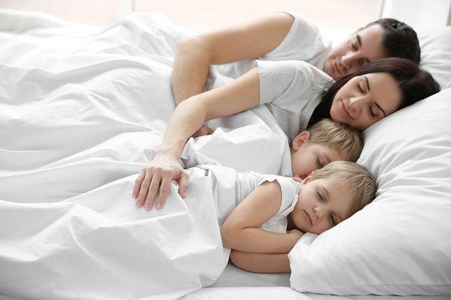 Forschung: Eltern, die mit ihren Kindern in einem Bett schlafen, werden diese Studie hassen