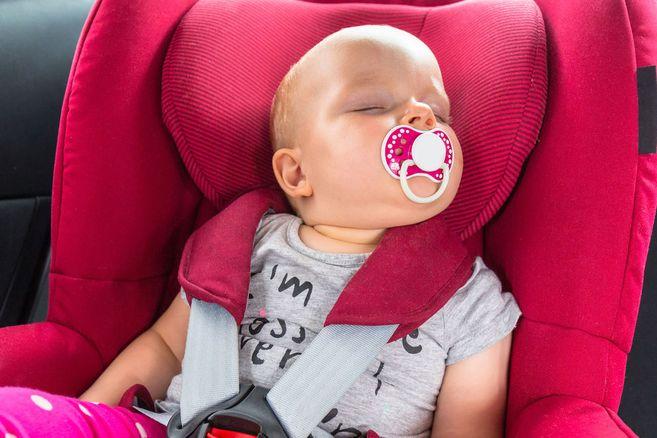 baby schlafen foto