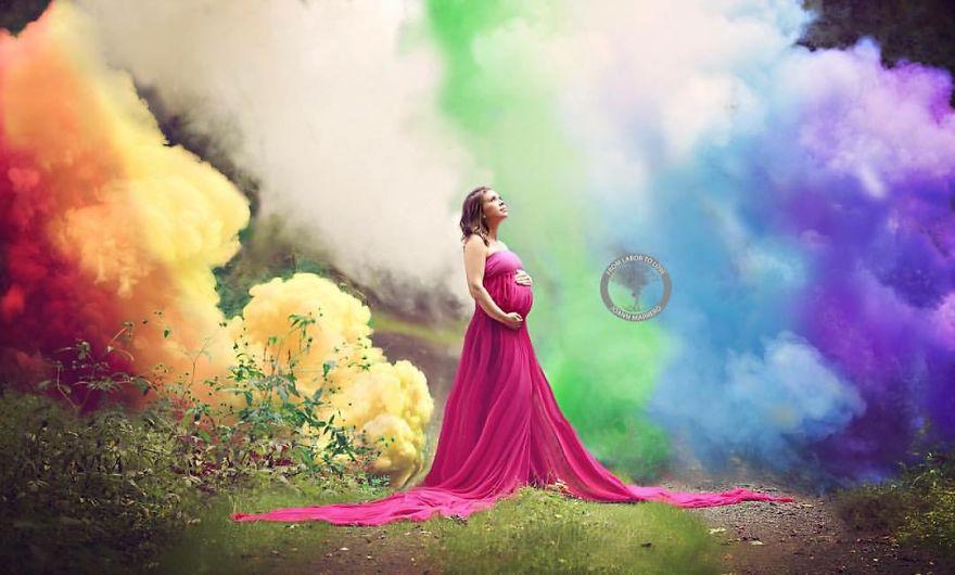 Mutter feiert Schwangerschaft nach sechs Fehlgeburten auf besondere Weise