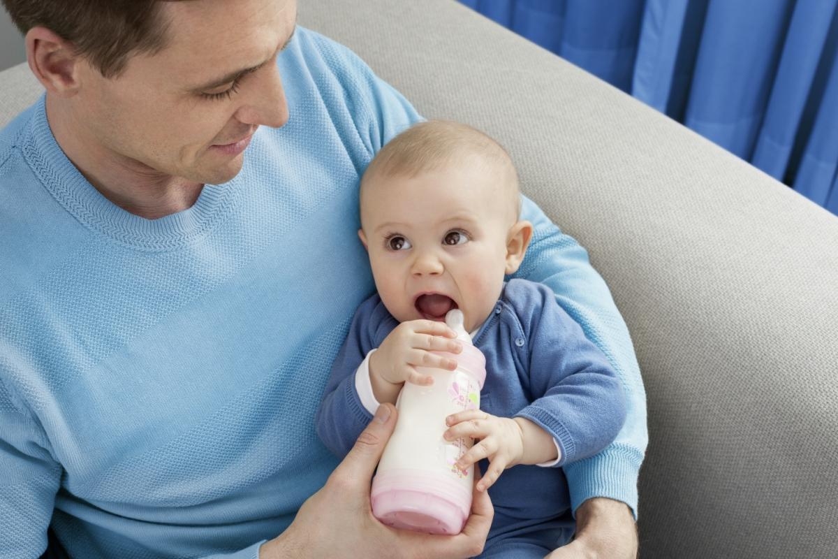 Das soll man laut Expertin tun, wenn das Baby Koliken hat