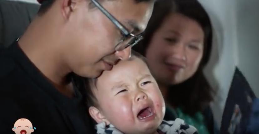 So klasse reagiert diese Fluggesellschaft auf weinende Babys an Bord