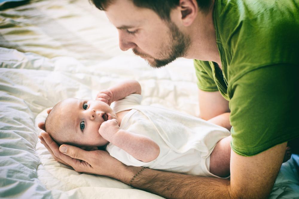 Super Papi: 8 Hinweise, dass dein Partner bereit ist Papa zu werden