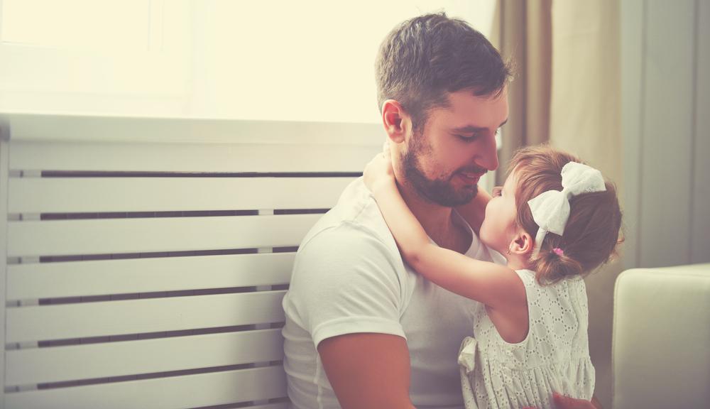 8 Hinweise darauf, dass dein Partner ein wundervoller Papa wäre