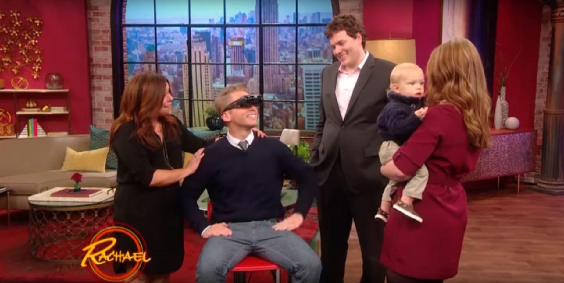 Diese Erfindung lässt ihn seine Frau und sein Baby zum ersten Mal sehen
