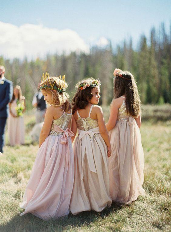 15 Fotos von Blumenmädchen, die der Braut fast die Show gestohlen hätten