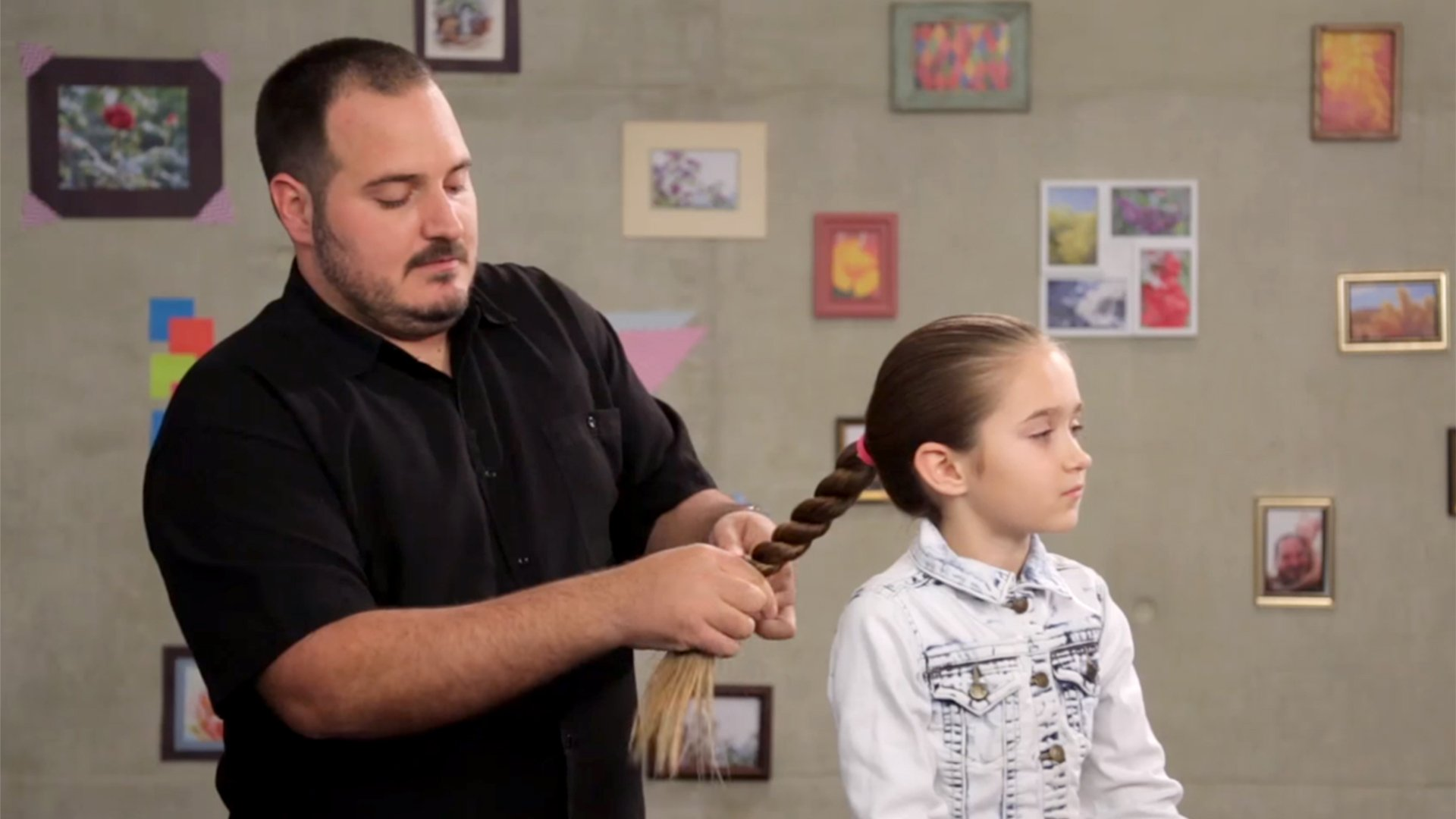 Flechtwettbewerb für Väter begeistert das Internet
