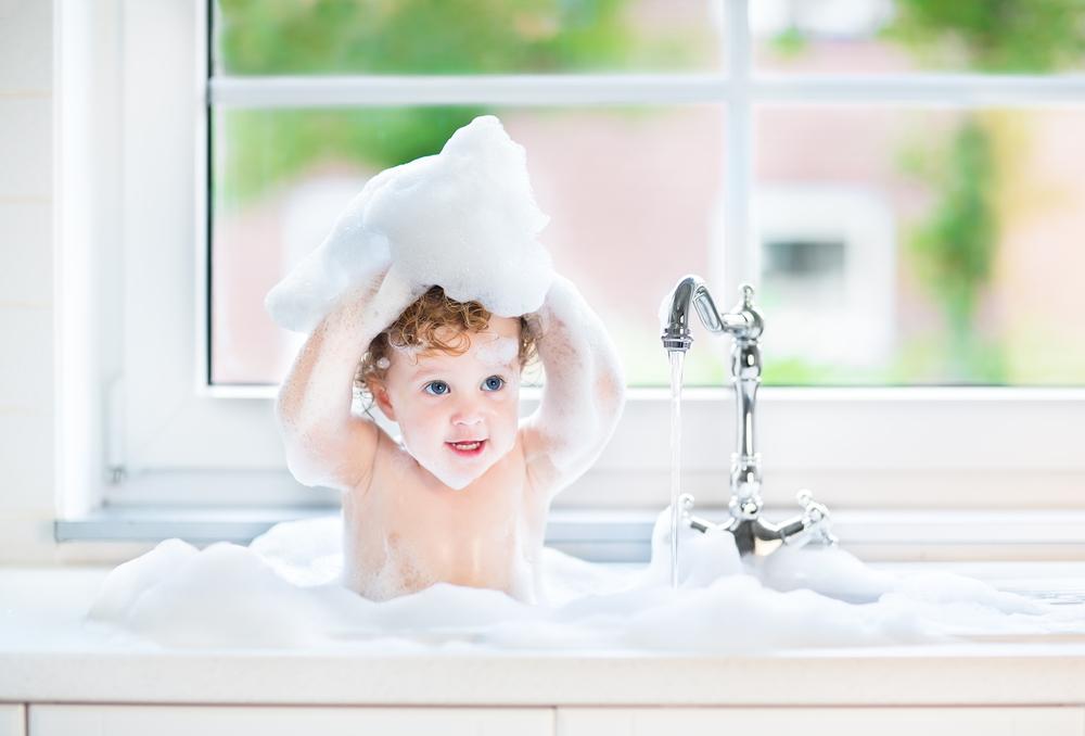 Mit diesem Trick vermeidet ihr die Schreikonzerte beim Duschen!