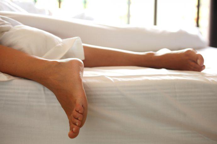 darf man nach der geburt wieder am bauch schlafen. Black Bedroom Furniture Sets. Home Design Ideas