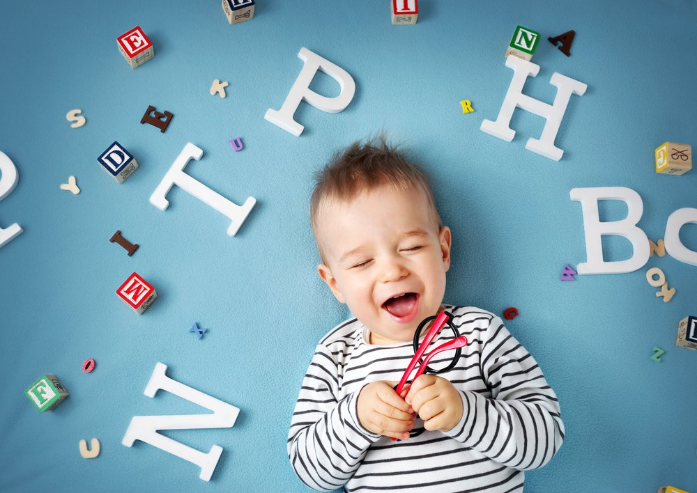 Sprachentwicklung: Auf diese Meilensteine solltest du bei deinem Kind achten