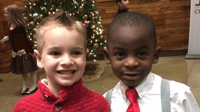 Diese Jungs wollten den gleichen Haarschnitt, um ihren Lehrer zu verwirren