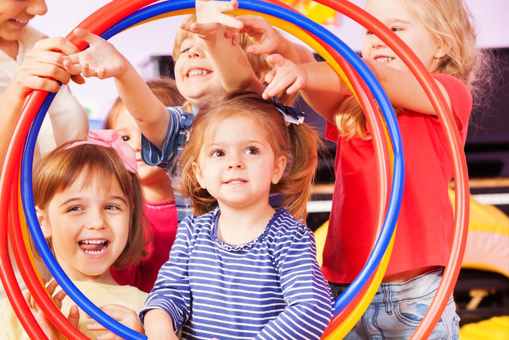 Raus ins Freie: Die coolsten Spielplätze für Kinder im Frühling