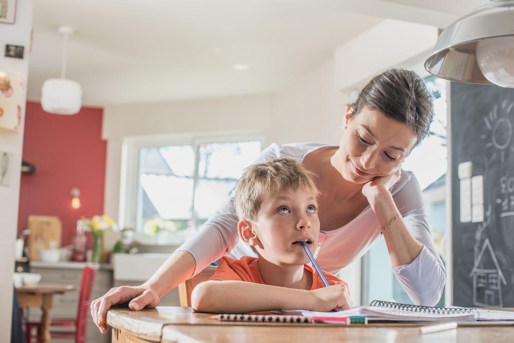 Hausübungs-Horror? So kannst du deinem Kind effektiv helfen