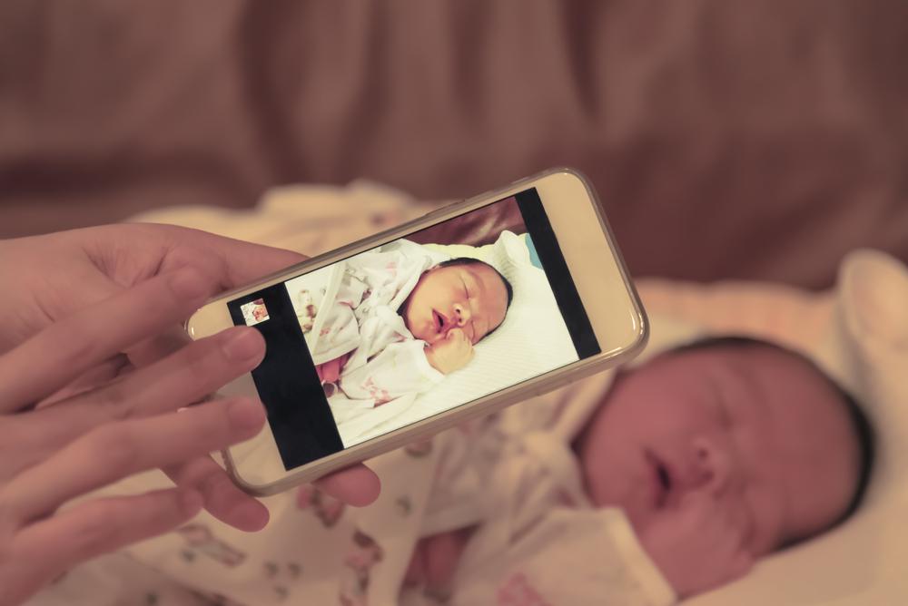 Diese Fotos deines Kindes solltest du niemals auf Social Media posten