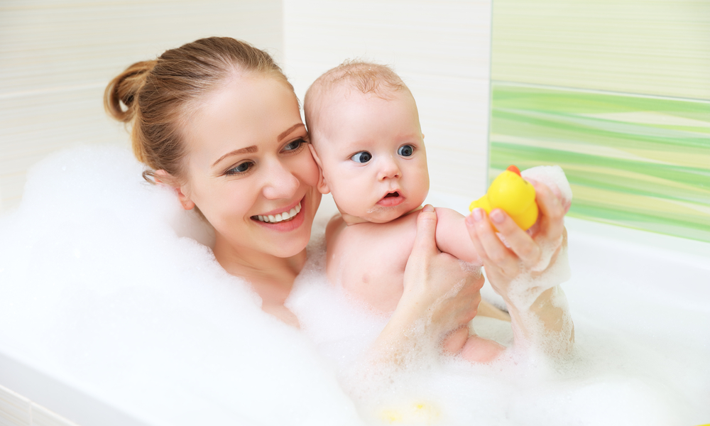 5 Badezimmer-Momente, die garantiert jede Mama kennt