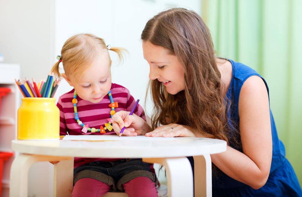 Diese 5 Punkte solltest du mit deinem Babysitter klären