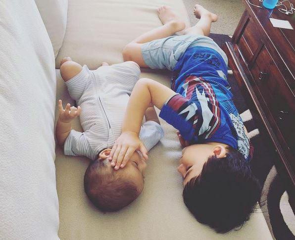 Herzzerreißend: Der kleine Will tröstet seinen sterbenden Bruder