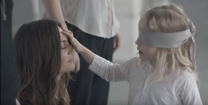 Einzigartig: Kinder erkennen ihre Mama blind!