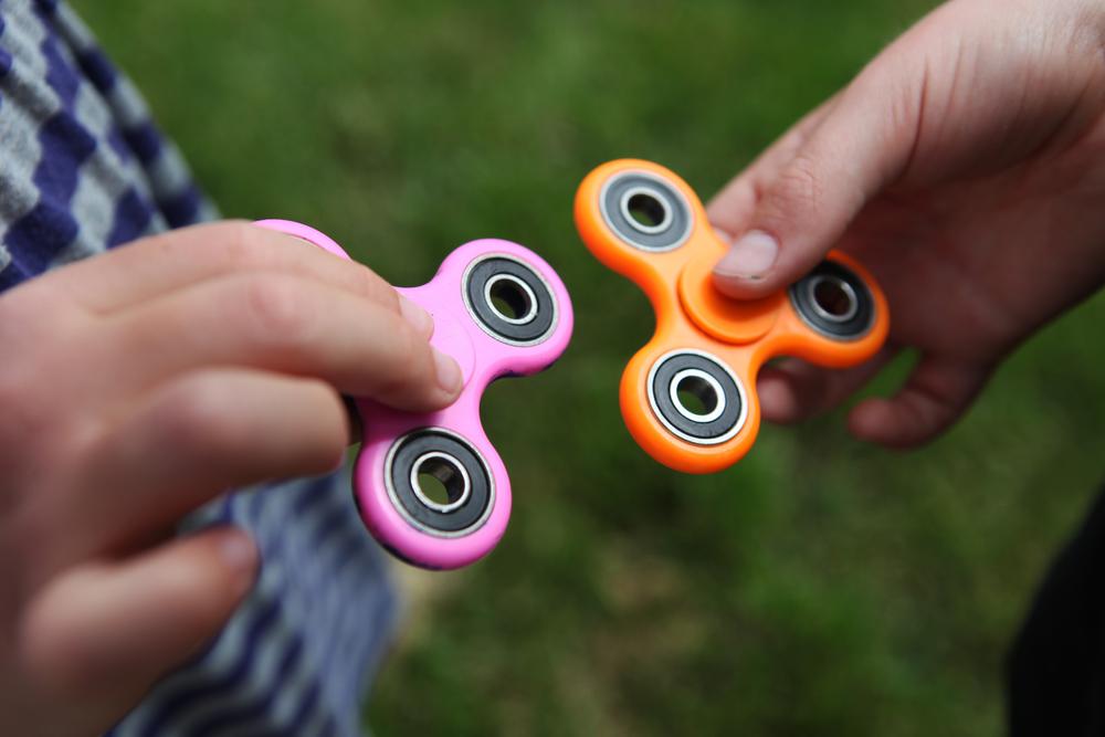 Fidget Spinner: Was soll der Hype bei den Kindern?