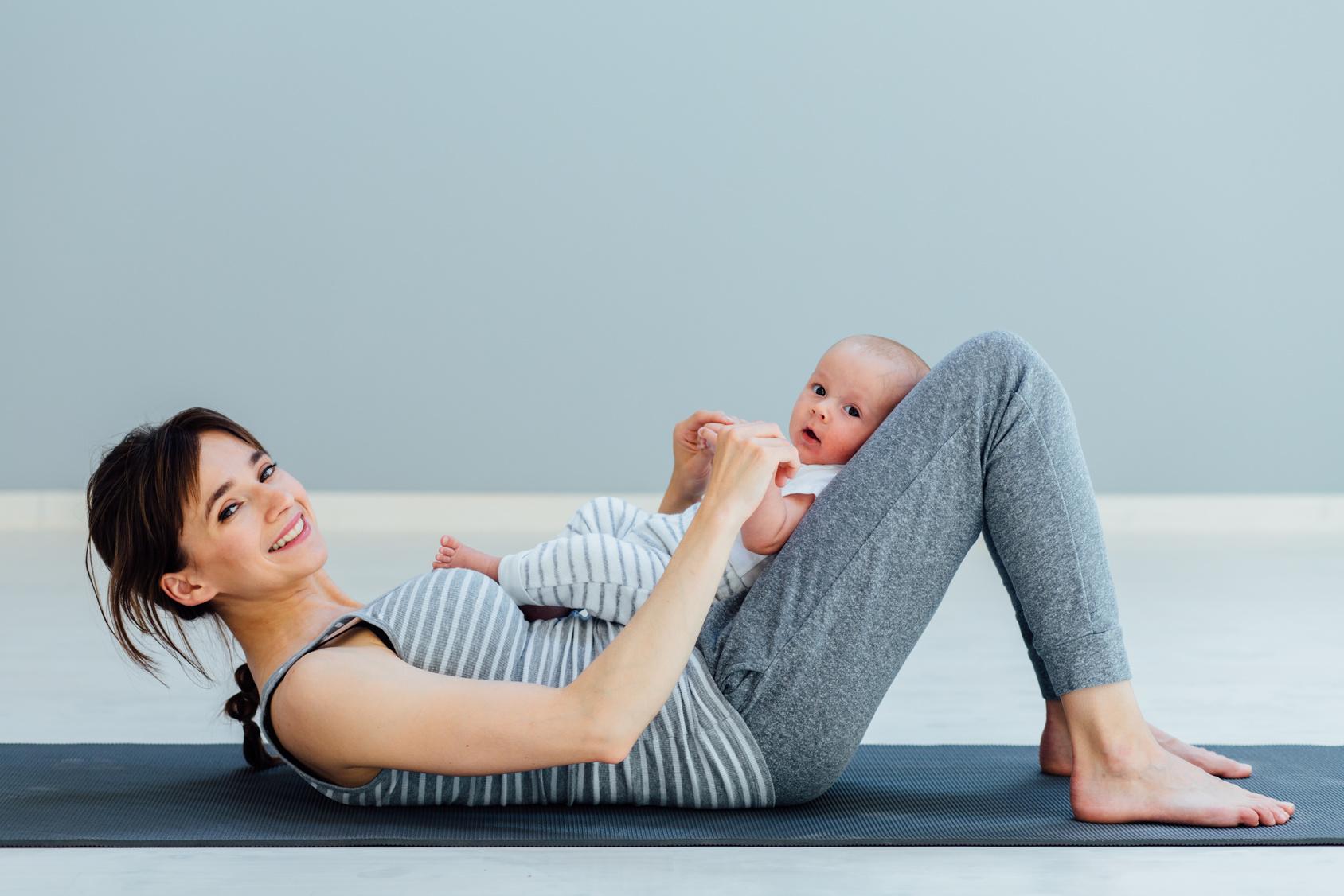 Das richtige Training – So bringt ihr den Körper nach der Geburt wieder in Form