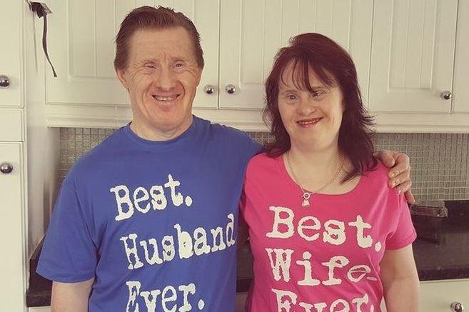 Dieses Paar mit Down-Syndrom feiert den 22. Hochzeitstag, und ist glücklich wie am ersten Tag