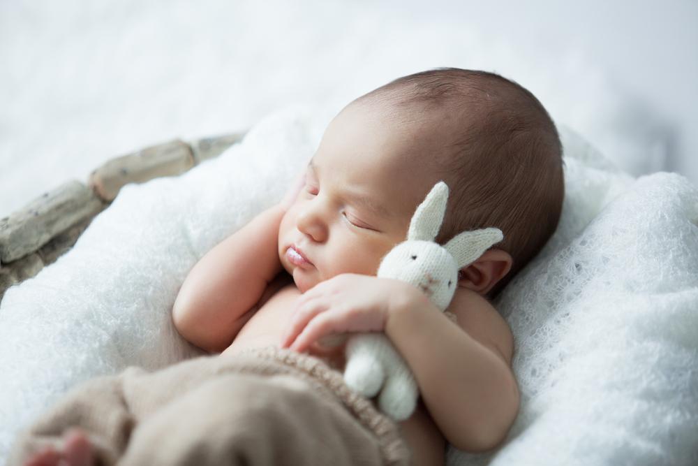So viel sollten Babys eigentlich schlafen