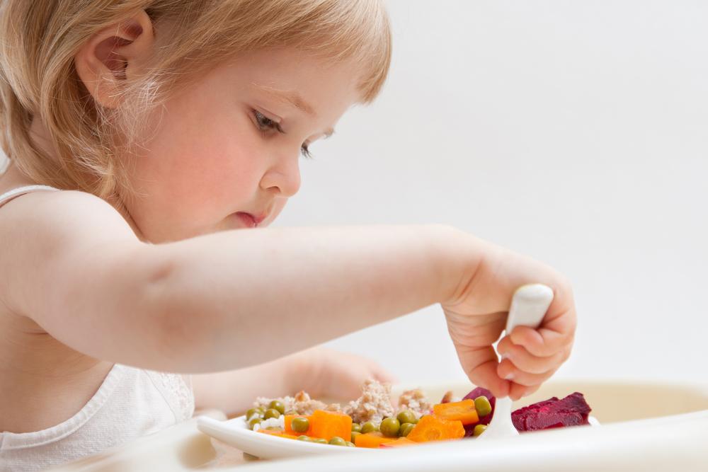 Wie du deinem Kind gesundes Essverhalten beibringen kannst