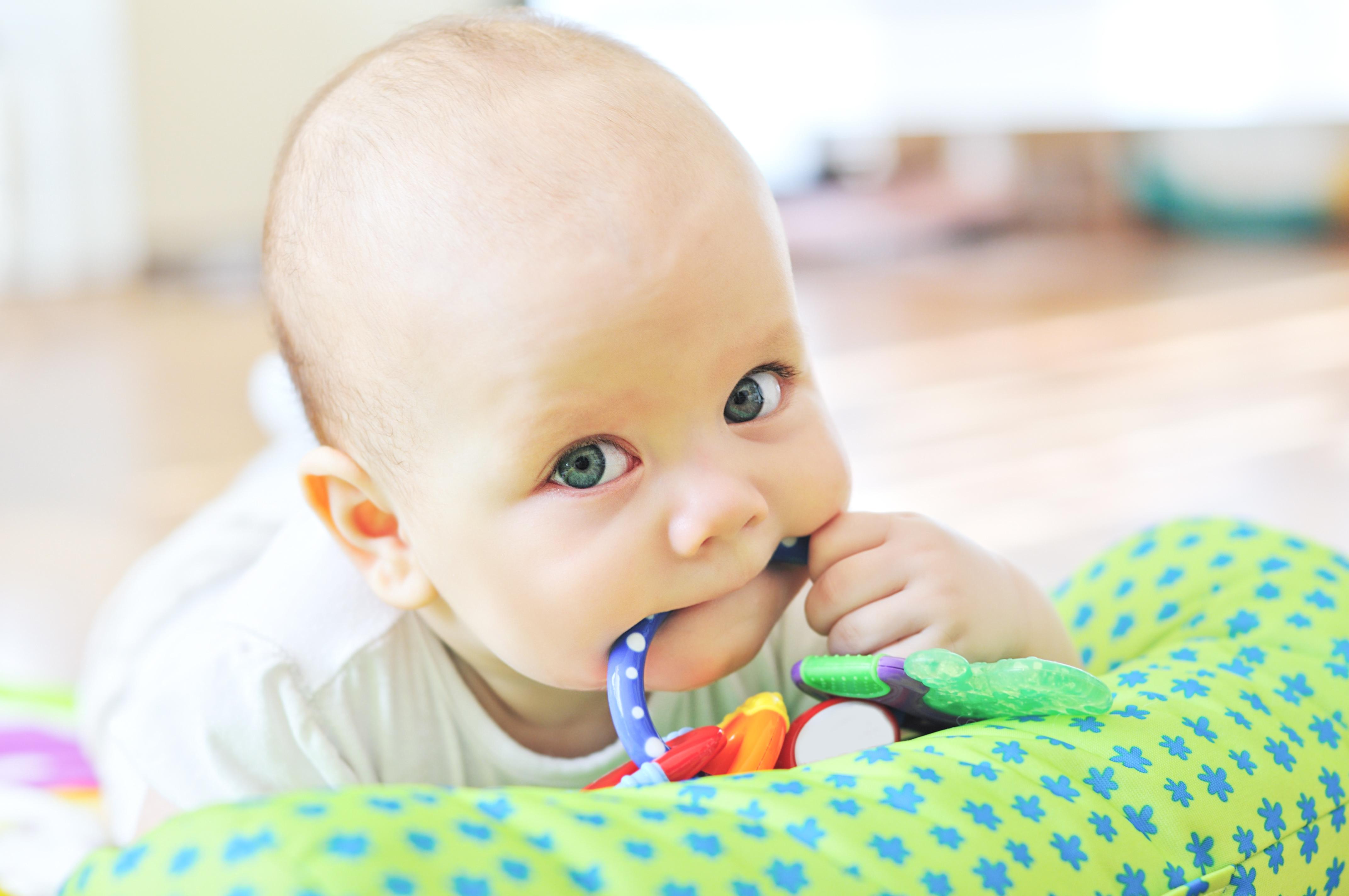 Zähneknirschen: Muss mein Kind zum Arzt?