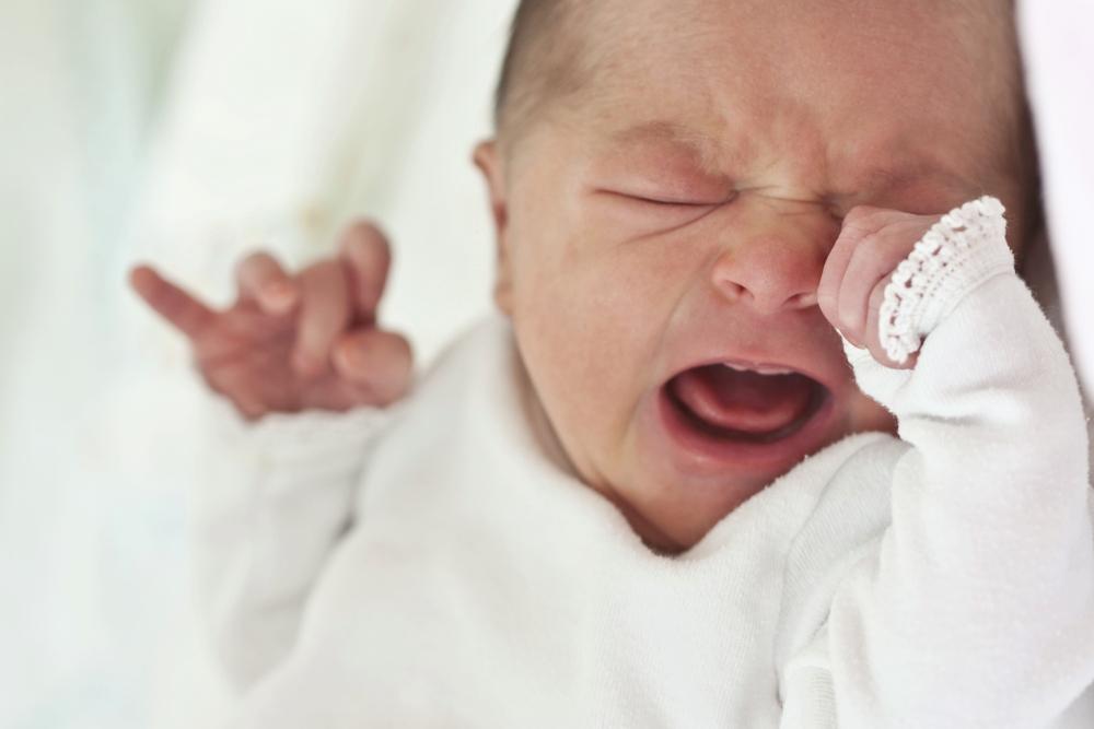DAS bedeutet es, wenn dein Baby ohne Tränen weint