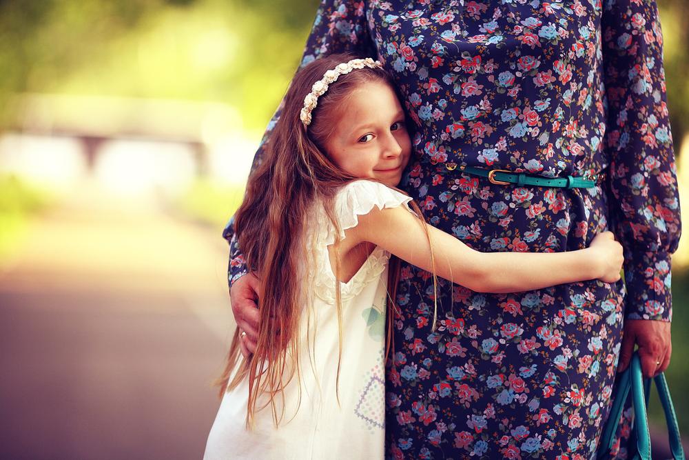 Dürfen Kinder Fremde umarmen?