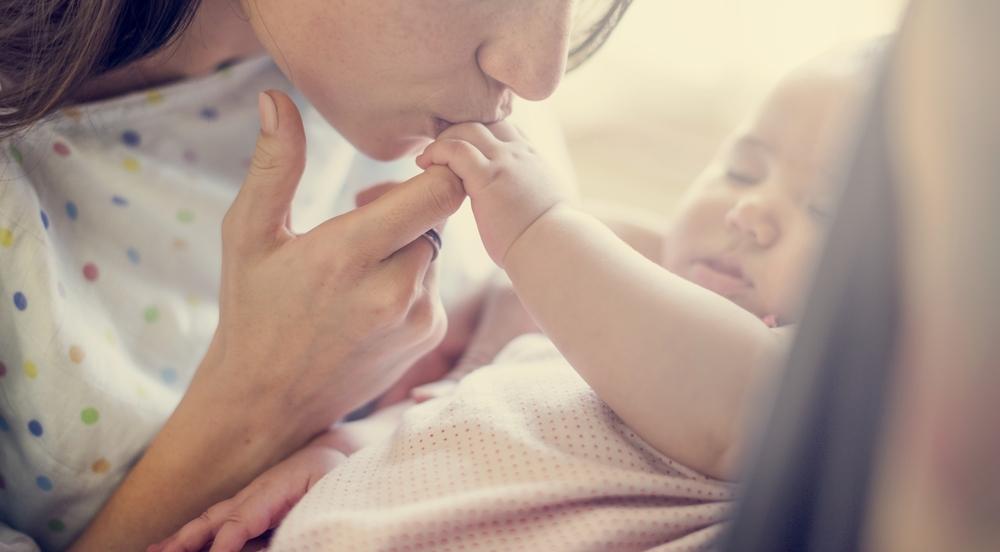 Mama im Wochenbett: Was passiert nach der Geburt?