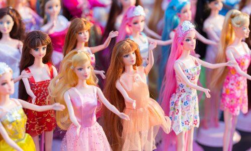 Deshalb sind Barbies für junge Mädchen gefährlich