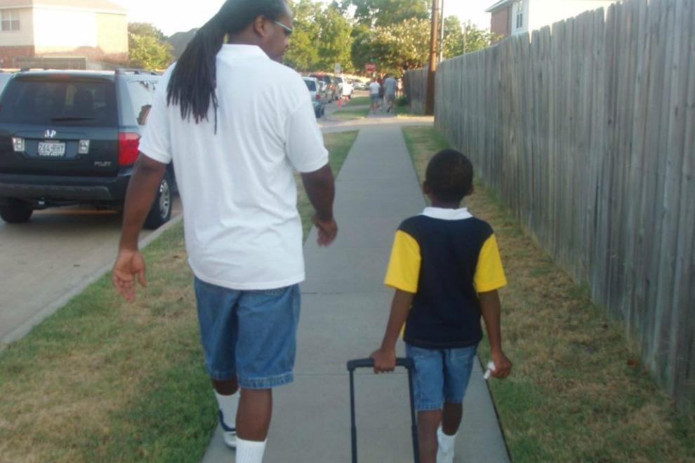 Dieser Vater-Sohn-Post rührt das Netz zu Tränen