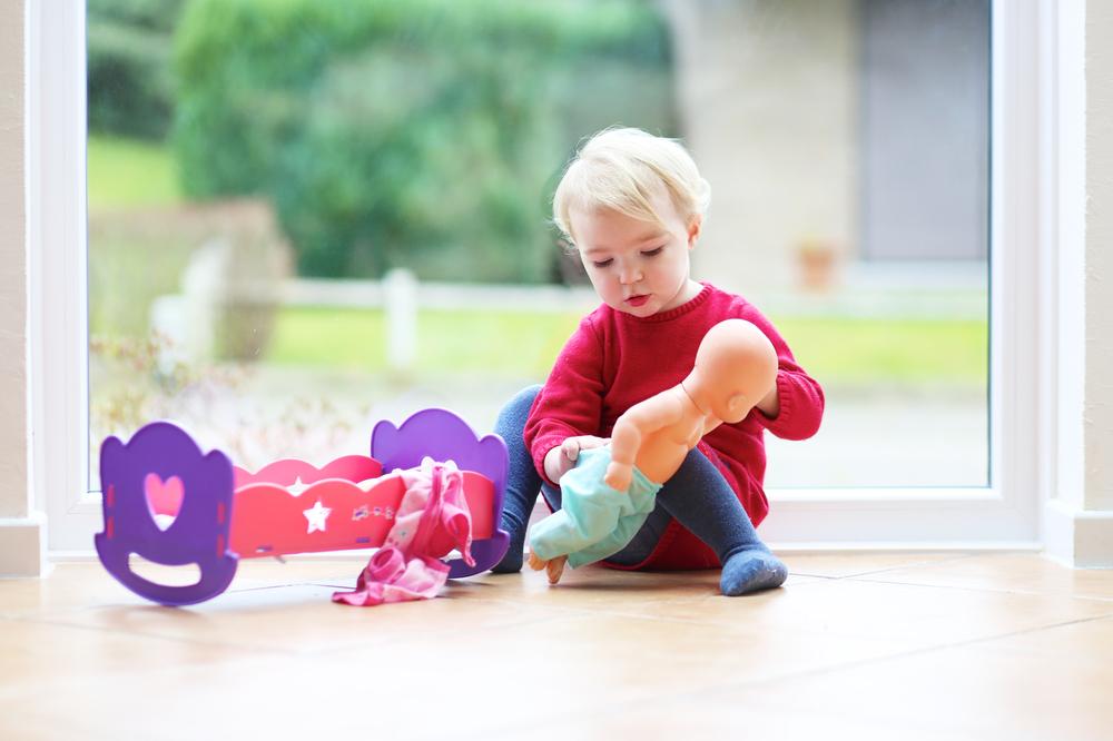 Diese Puppe birgt ein Erstickungsrisiko für dein Kind