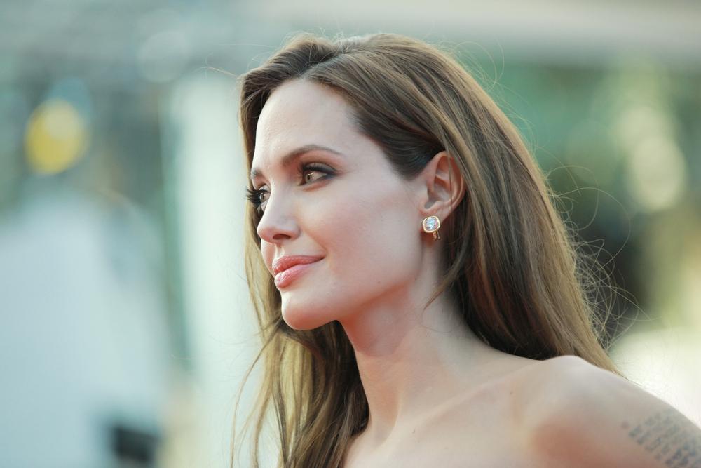 So geht Angelina Jolie mit Kritik wegen Kinder-Casting um