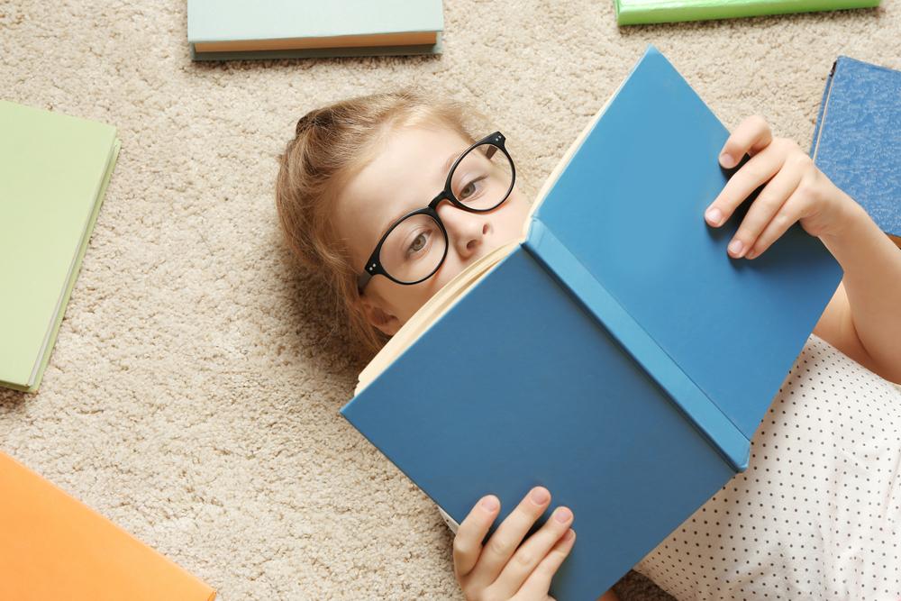 Schulbeginn: So erkennst du Fehlsichtigkeit bei Kindern rechtzeitig