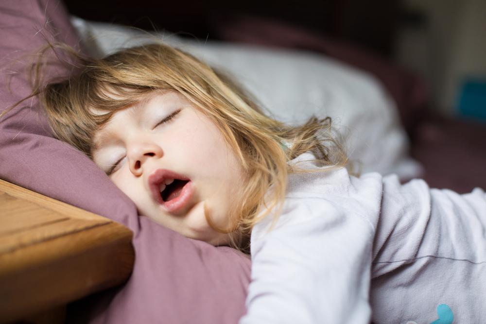 Das ist die beste Uhrzeit um euer Kind schlafen zu legen!