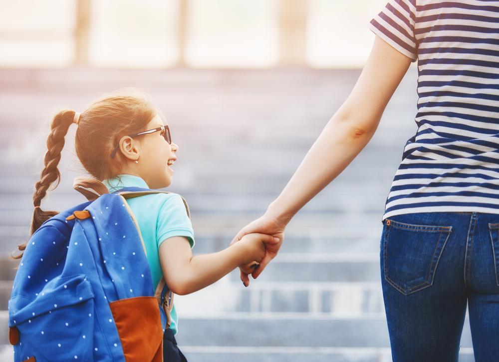 So bereitest du dein Kind am besten auf den ersten Schultag / Kindergartentag vor