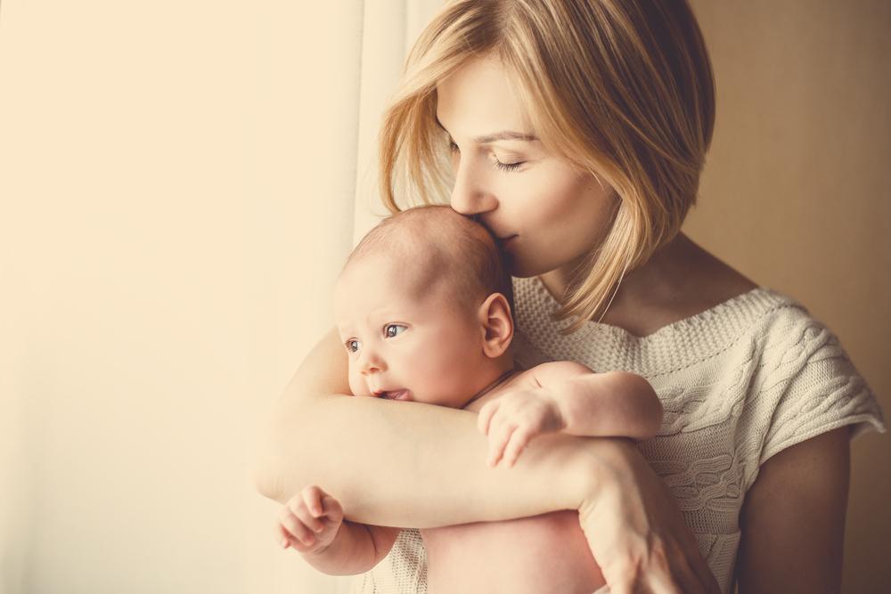 Mama-Tipps: So bringst du deine Haut nach einer schlaflosen Nacht zum Strahlen