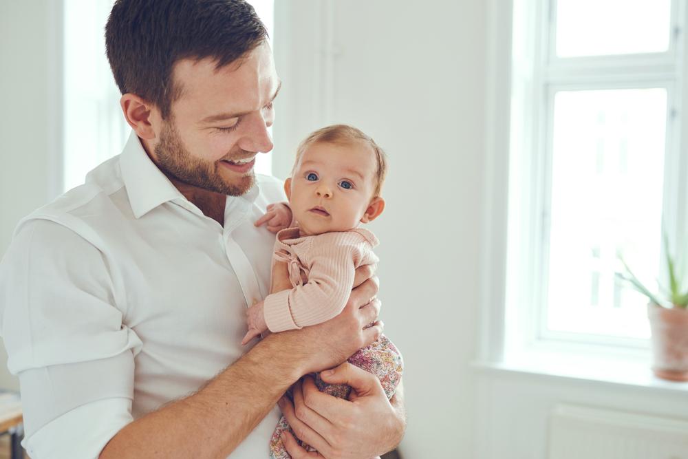 Männer zögern das Vaterwerden immer länger hinaus
