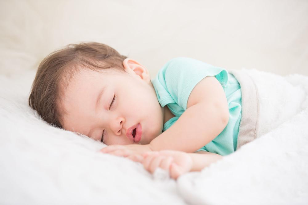 Traumland: 10 Geheimnisse von Mamas, deren Kinder durchschlafen