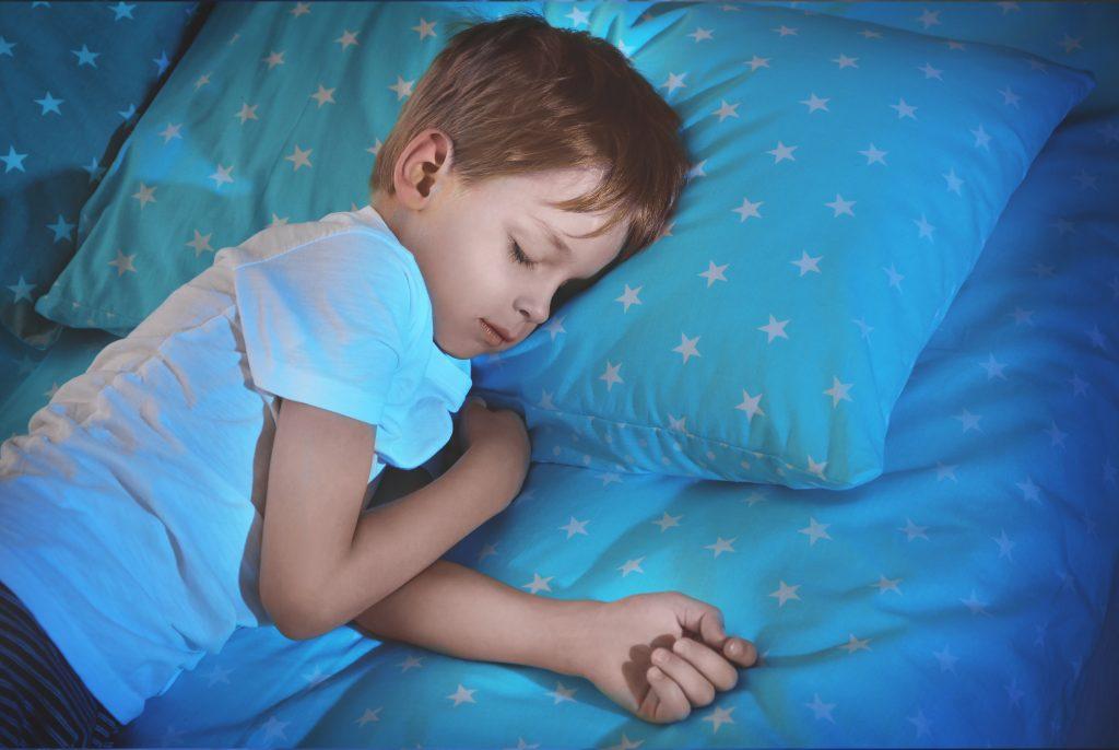 Wenn Kinder ins Bett machen: Blasentraining kann helfen