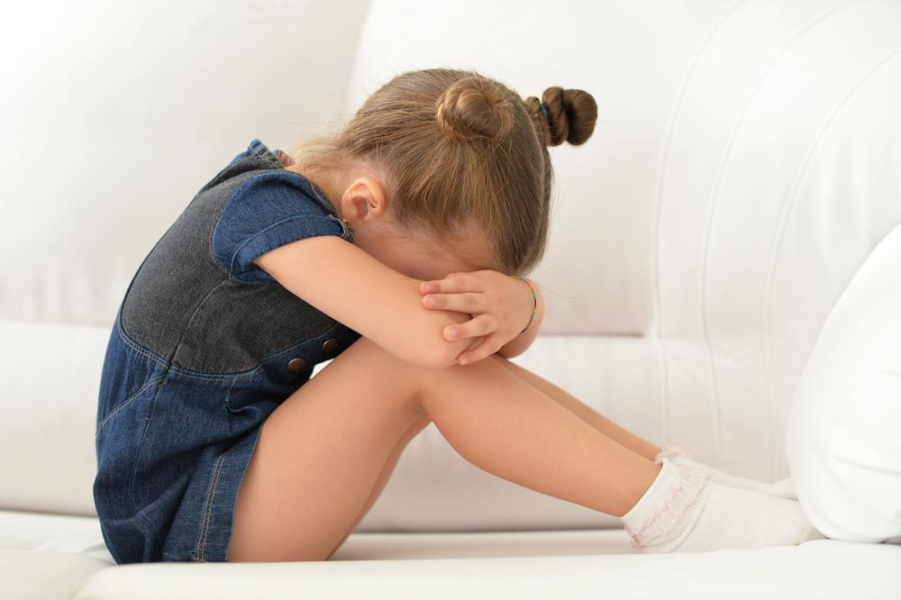 Wie du als Mama helfen kannst, wenn dein Kind depressiv ist