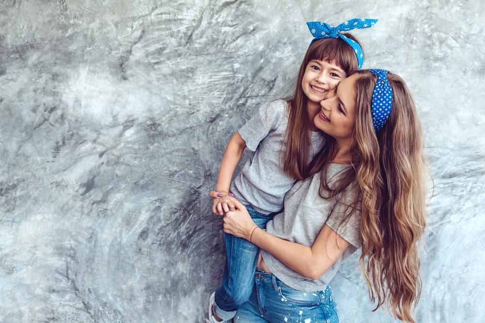 9 Angewohnheiten von Mamas mit gesundem Haar