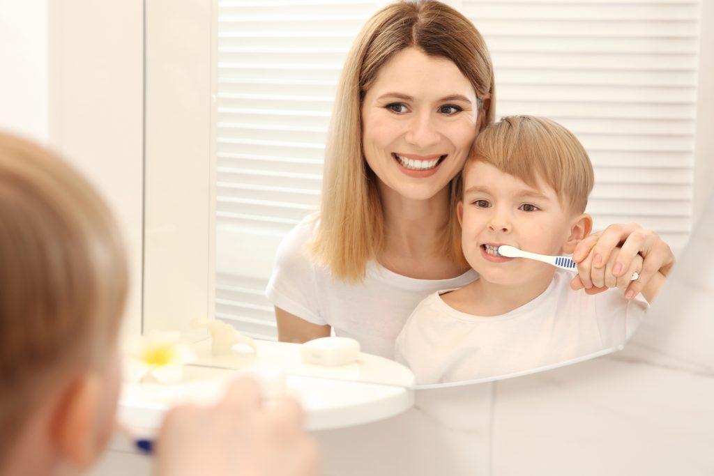 Zähne putzen bei Kindern: So machst du es richtig