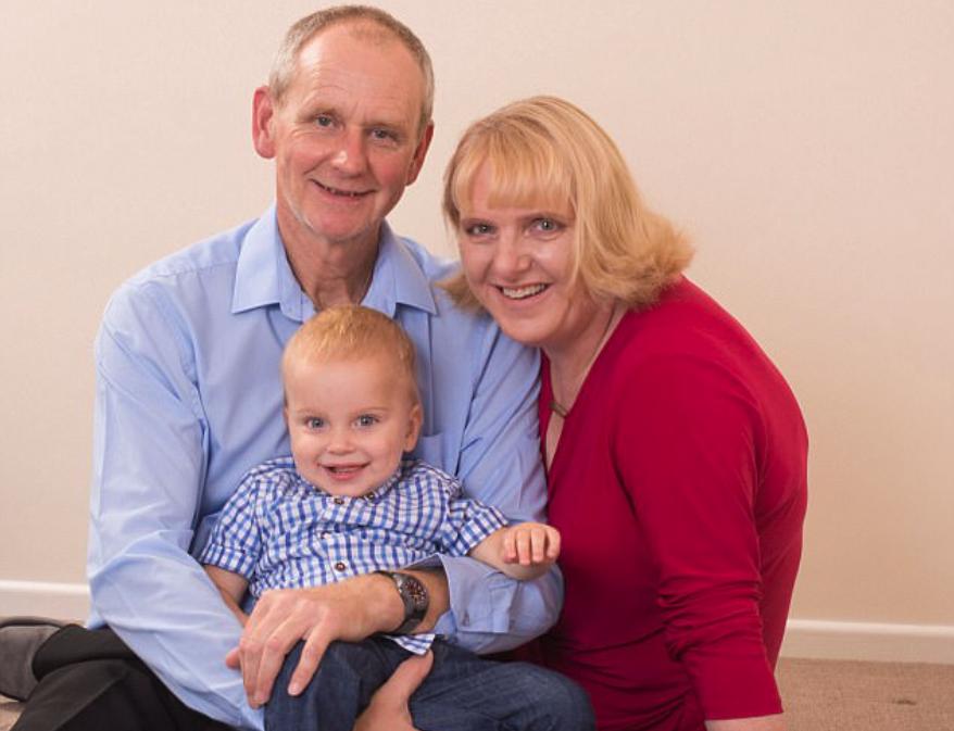 Frau wird nach 18 Fehlgeburten mit 48 zum ersten Mal Mama