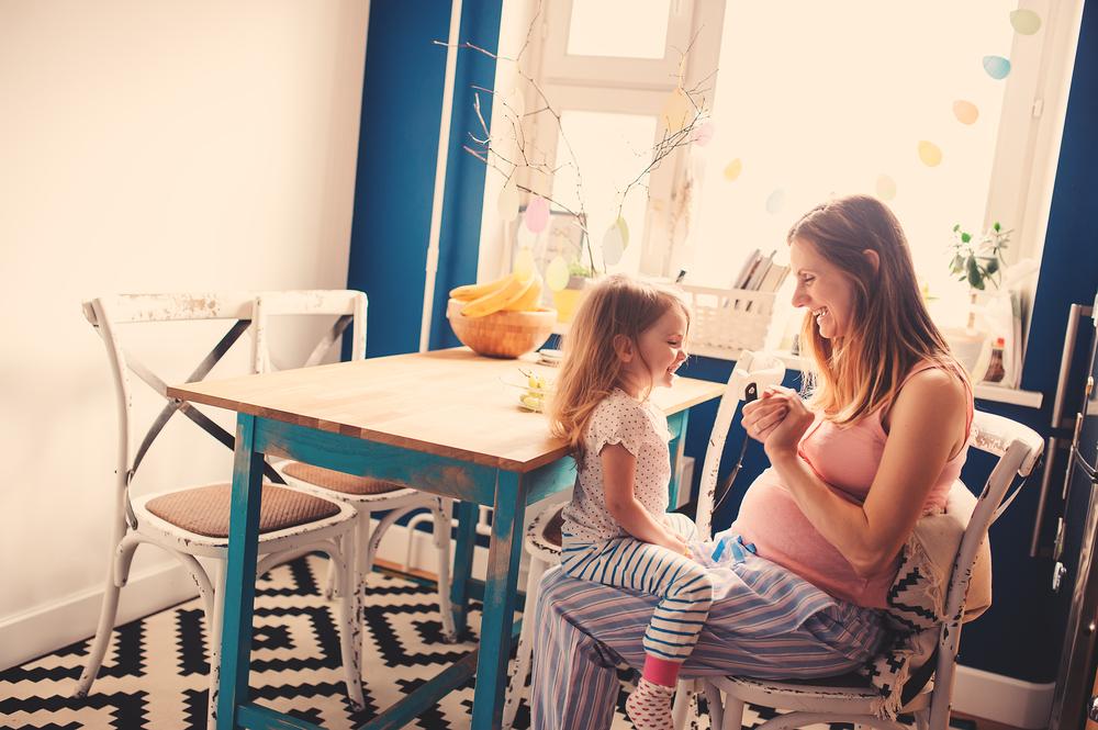 Außer Kaffee: Diese Dinge machen dich auch in der Schwangerschaft wach