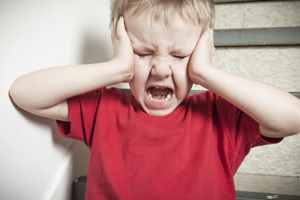 Diese 5 Dinge solltest du nie machen, wenn dein Kind einen Wutanfall hat