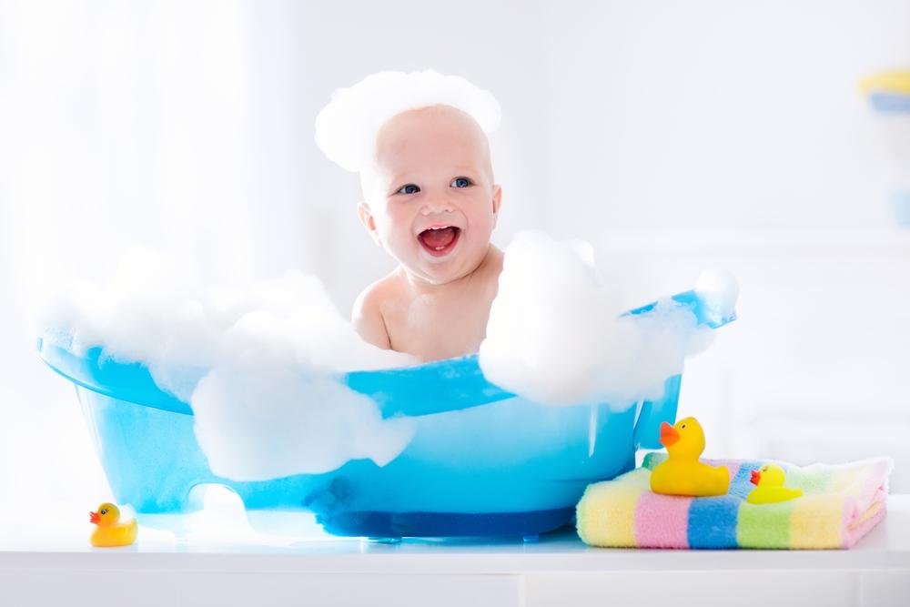 4 Tipps, wie du dein Baby sanfter pflegst